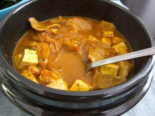 Korean Comfort Food: Kimchi Jjigae