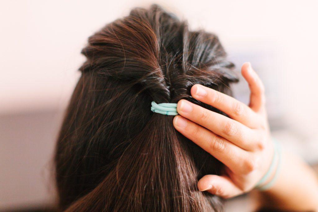 goody-hair-tutorial-easy-updo-5545