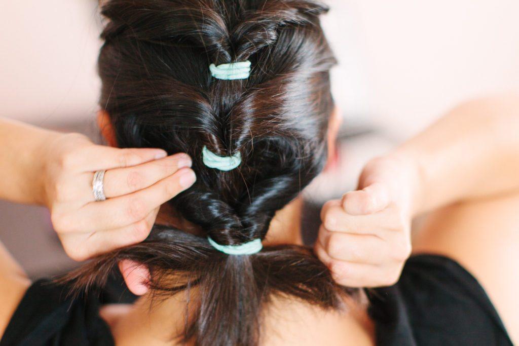goody-hair-tutorial-easy-updo-5561